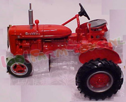 Mc Cormick FARMALL  B 1/16 ERTL