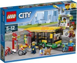 LEGO CITY BUSSTATION en LIJNDIENSTBUS